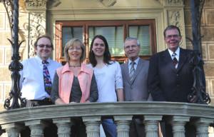 Die Kandidatinnen und Kandidatren der EDU Hilterfingen-Hünibach v.l. Max Bär, Elisabeth Steiner, Regine Schuler, Peter Röthlisberger und Christian Ibach.